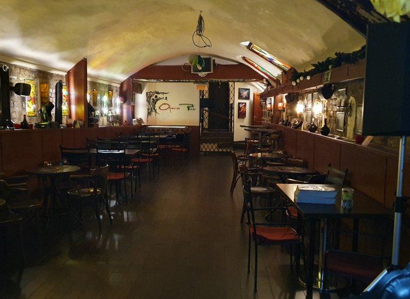 Opera pub csütörtökönként 19:00 - 23:00